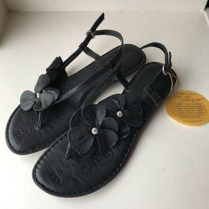 Born sandals black leather flowers sz 10 42 new